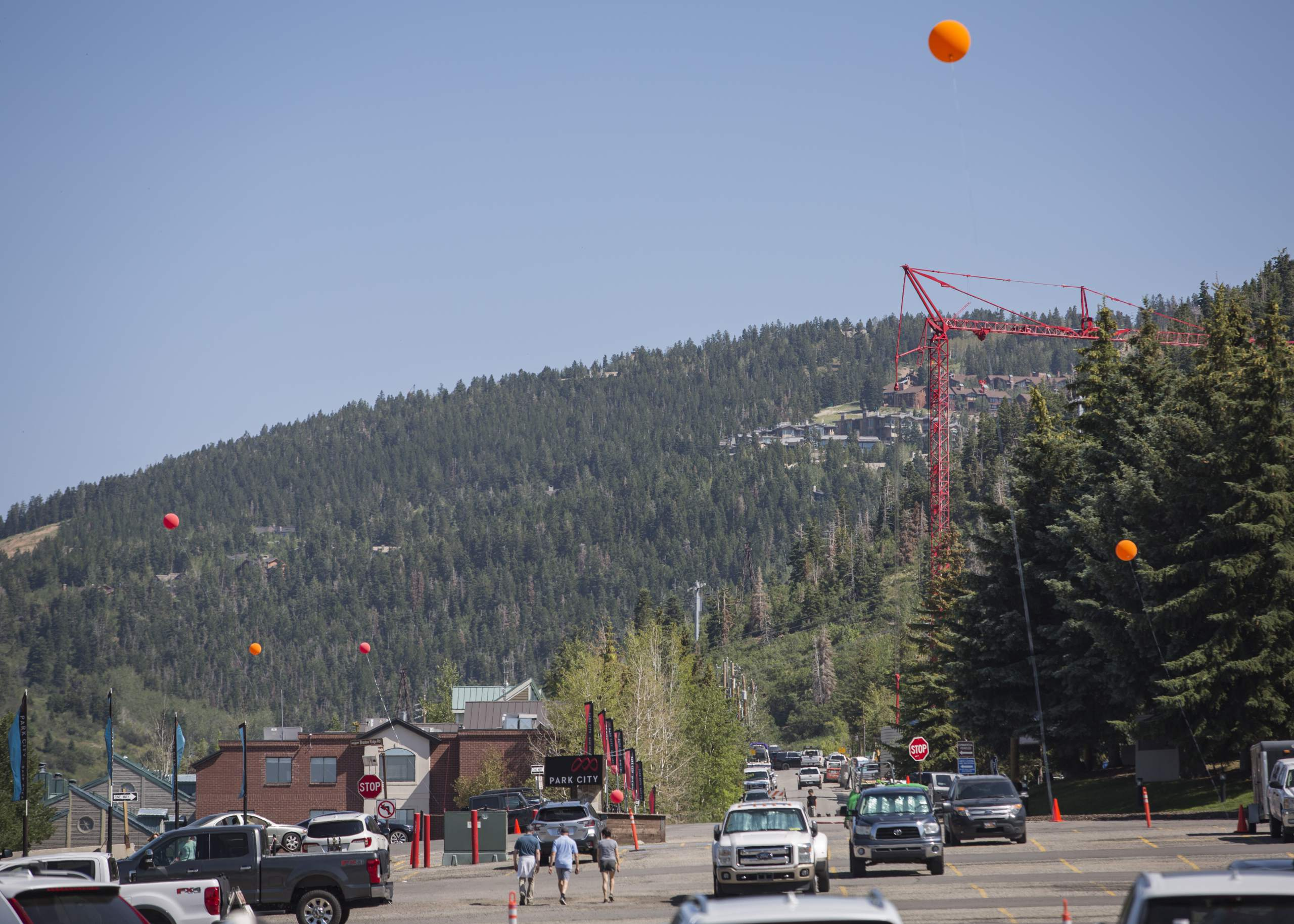 Provo developer leads tour of PCMR project, flying balloons along the way